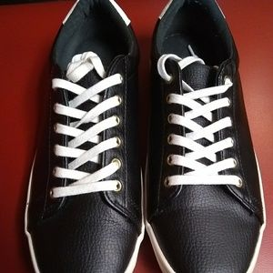 Old Navy Black Jack Sneakers Size 9 Women's
